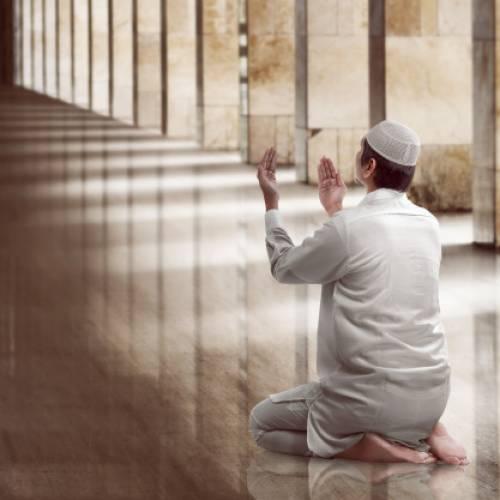 UK's Muslims Are Urged to Avoid Communal Eid Al-Fitr Celebrations